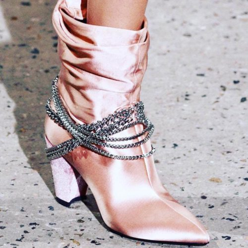 contoh sepatu satin